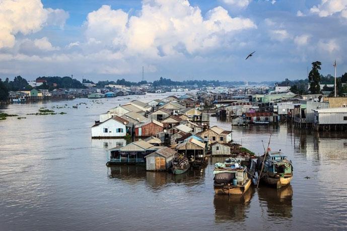 Village flottant de Chau Doc, Vietnam